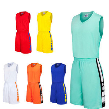 Ensemble de maillot blanc uniforme de basket-ball en gros simple