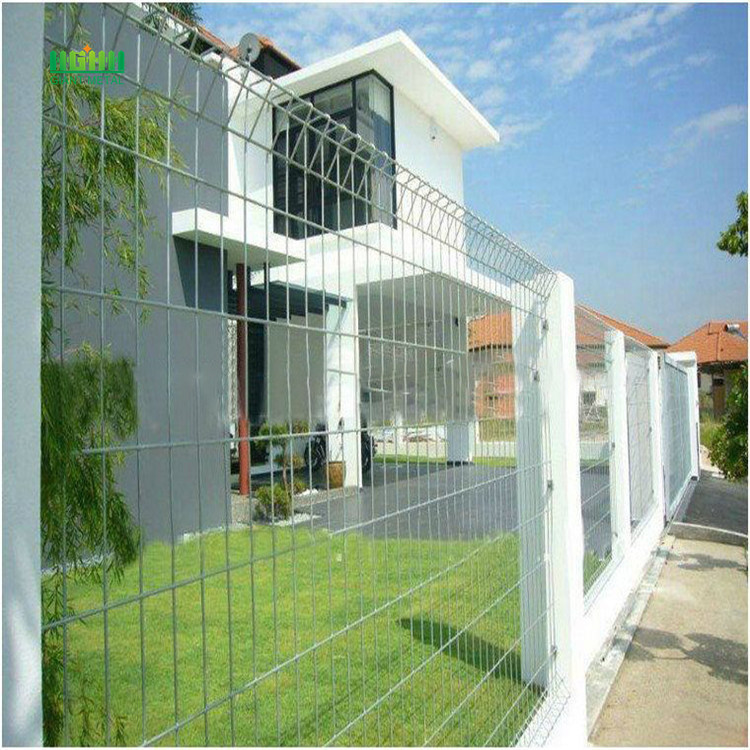 Roll top security fencing