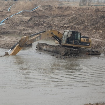 Oil-saving speed Amphibious Excavator