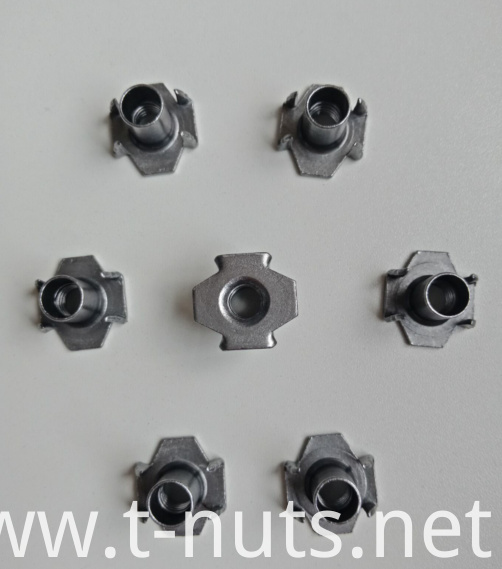 Plain Riveted Carbon Steel M6X15 T-nuts