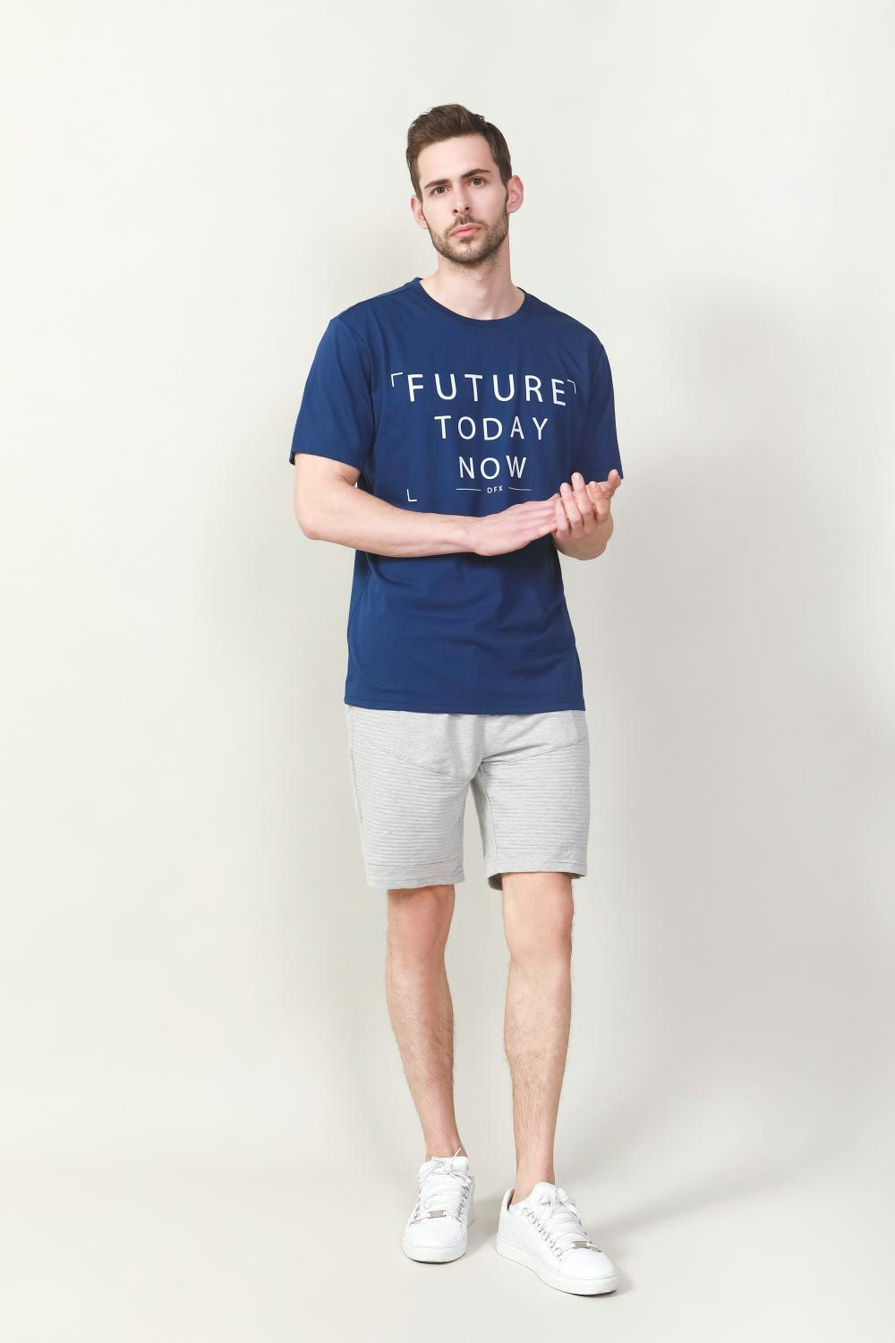 Men's solid navy t-shirt with chest print