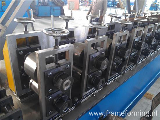 Angle Channel Cutting Machine/ Light Steel Keel Roll Forming Machine