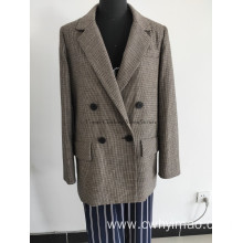 Short spring wool windcoat with button