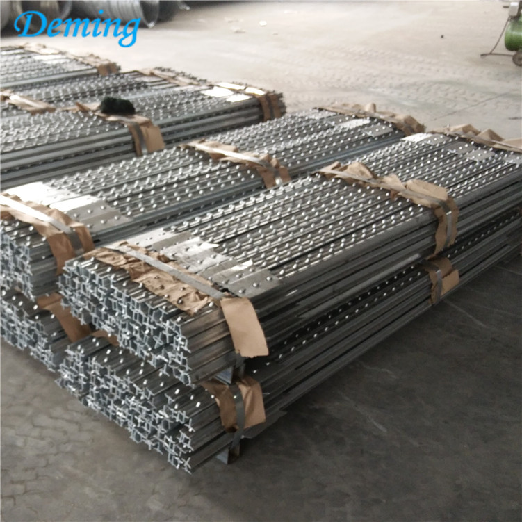 Factory Wholesale Metal Field Fence Used T post