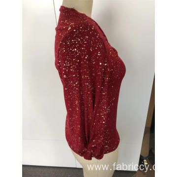 Long sleeves with red V-neck and sequins
