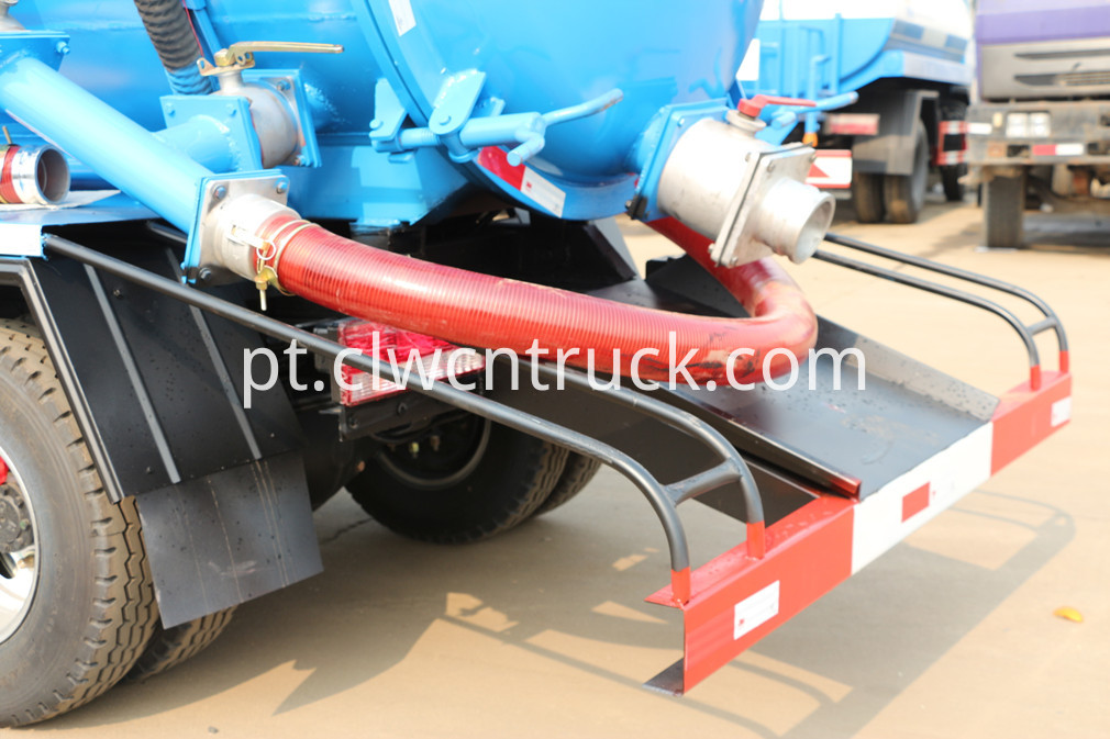 jac sewer cleaning truck 4