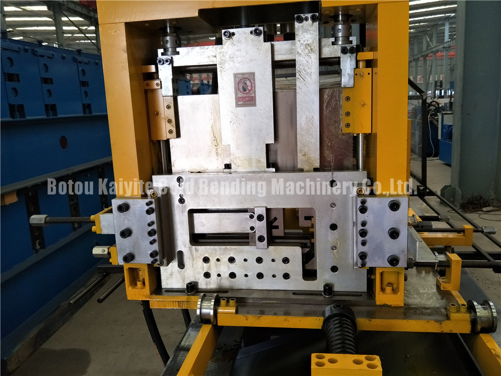 Constructure CZ Purlin Machine