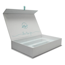 Custom White Magnetic Gift Paper Box With Insert