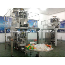 Automatic packaging machine for puffy food