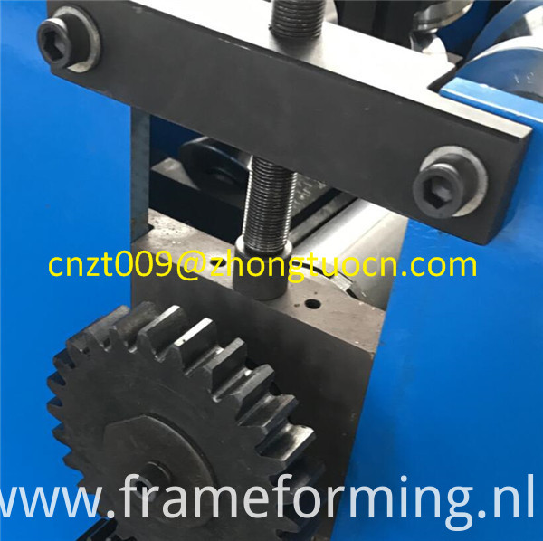 roof tile roll forming machine 12
