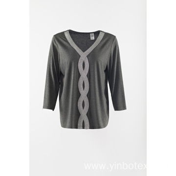 Grey middle sleeve Tshirt with V neck