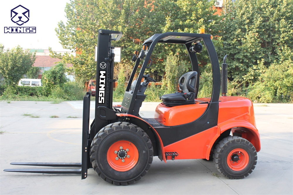 off road forklift 3 tons(1)