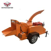Self-propelled diesel engine wood chipper
