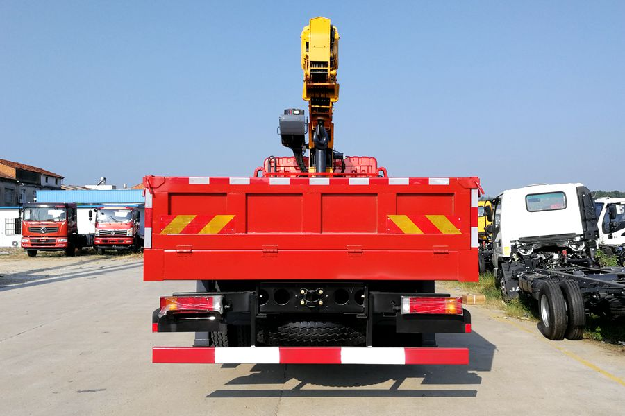 truck mounted boom lift 2