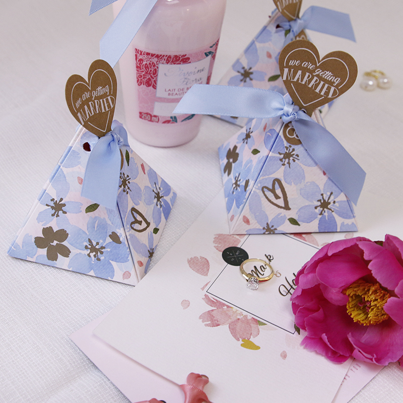 Pyramid wedding candy packaging box