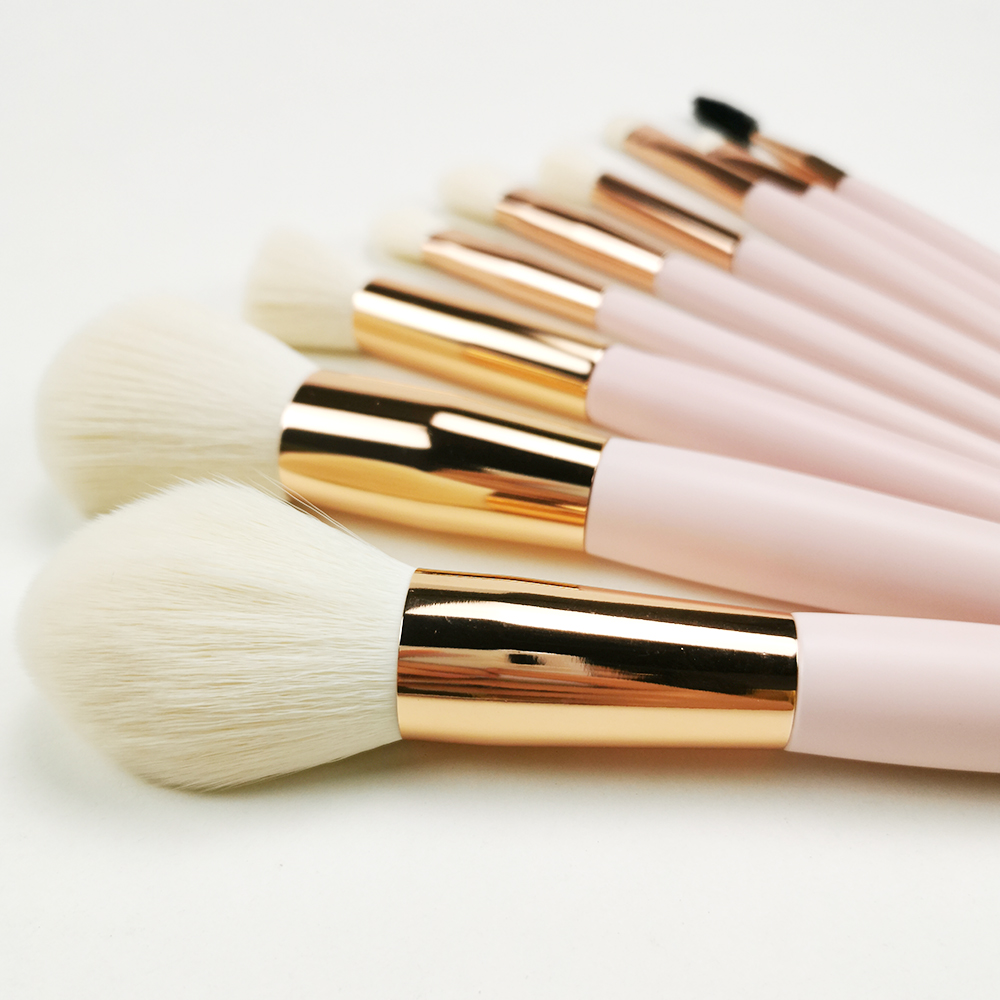 Rose Gold Makeup Brush