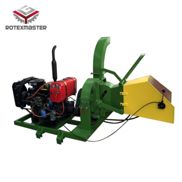 Diesel engine mobile wood shredder for branches