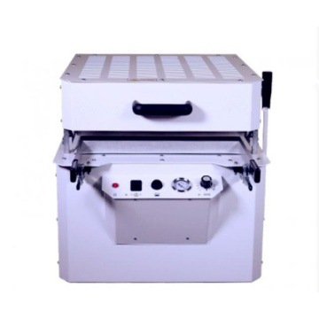 Hot sale table type vacuum forming machine small