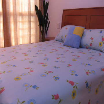 Printed Polar Fleece Three Piece Bedding Set