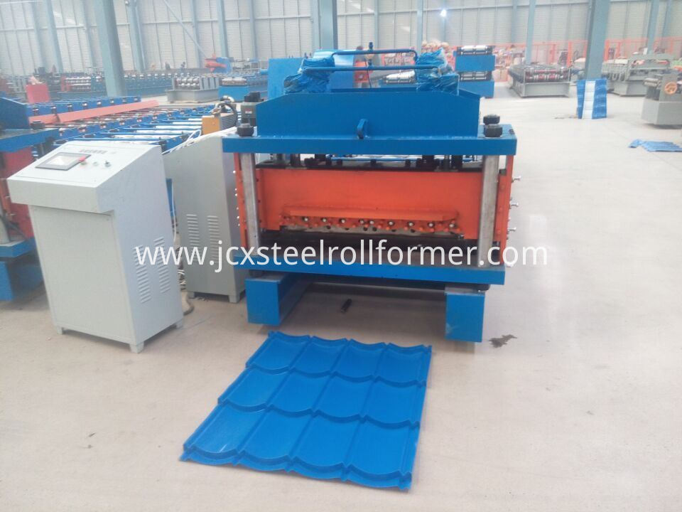 828 1035 Galvanized Steel Step Tile Roll Forming Machine