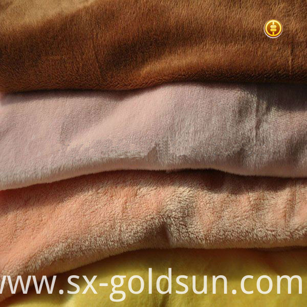 Disposable Polyester Fleece Blanket